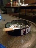 Rauchende Zigarette Lizenzfreie Stockfotos