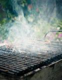 Rauchender Grill Lizenzfreies Stockfoto