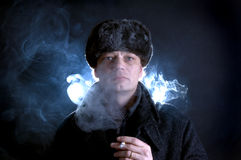 Rauchender Mann Lizenzfreies Stockbild
