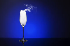 Rauchendes Champagnerglas Lizenzfreie Stockfotos