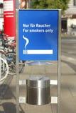 Rauchendes Zeichen Stockbilder