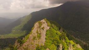 Rauchige Berge von der Luft stock video