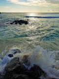 Rauer Strand auf Mauritius-Insel stockfotos