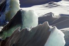 Raues Eis lizenzfreie stockbilder