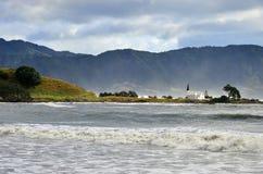Raukokore-Kirchenlandschaft des Sturmtages lizenzfreies stockbild