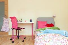 Raum des kleinen Mädchens Lizenzfreies Stockfoto
