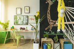 Raum für Kinder mit Hängematte Lizenzfreies Stockbild