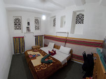 Raum im traditionellen Hotel. Sana lizenzfreie stockbilder