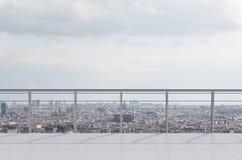 Raum mit Balkon stockfoto