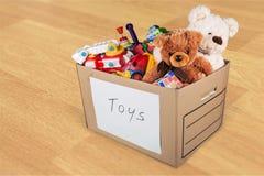 Raum mit Möbeln und Spielwaren im Kasten stockfoto