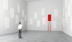 Raum mit vielen Türen lizenzfreie stockfotos