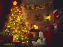 Raum verziert für Weihnachten lizenzfreie stockbilder