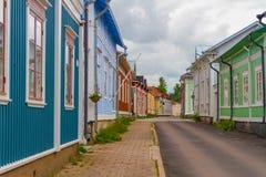 Rauma, Finlandia - casas de madeira velhas Imagem de Stock