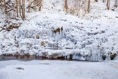 Raunas staburags, śnieg i lód, Rzeka jest frozzen fotografia stock