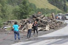 Rauris, Salzburg Áustria - 27 de agosto de 2015: Cancele a estrada após o corrimento Imagem de Stock Royalty Free