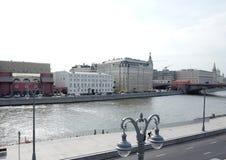 Raushskaya invallning moscow Ryssland Arkivfoton