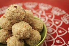 Rava Ladoo sötsaker Arkivbild