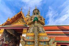 Ravana gigantyczne statuy chroni dzwi wejściowy horizontally Obraz Royalty Free