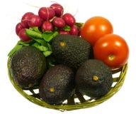 Ravanello e pomodoro isolati dell'avocado Fotografie Stock Libere da Diritti