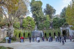 RAVEELO SÖDRA ITALIEN - NOVEMBER 4: turist som tar ett foto i fr Royaltyfria Foton