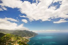 Ravelo阿马飞海岸的游览城市在南意大利 库存图片