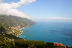 Ravelo阿马飞海岸的游览城市在南意大利 图库摄影