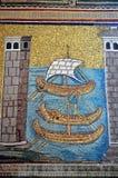 Ravenna, Italië - 18 AUGUSTUS, 2015 - 1500 jaar oude Byzantijnse mozaïeken van Unesco maakte een lijst van basiliek van Heilige V Stock Afbeeldingen