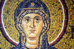 Ravenna, Italië - 18 AUGUSTUS, 2015 - 1500 jaar oude Byzantijnse mozaïeken van Unesco maakte een lijst van basiliek van Heilige V Stock Fotografie