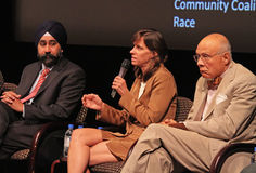 Ravinder Bhalla, Dawn Zimmer, et Bill Howard Image libre de droits