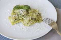 Ravioli στο πιάτο Στοκ Εικόνες