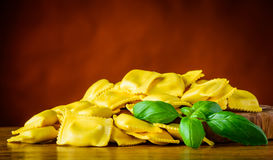 Κίτρινα Ravioli ζυμαρικά Στοκ Εικόνα