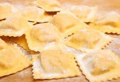 Ravioli faits maison frais Image stock