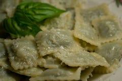 Ravioli met boter Italiaans voedsel Stock Afbeeldingen