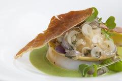Ravioli, met paddestoelen en kaas wordt gevuld die Royalty-vrije Stock Afbeeldingen