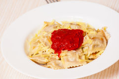 Ravioli with tomato sauce and cheese Stock Photography