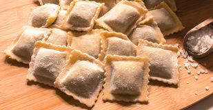 Raviolis hechos en casa italianos Fotos de archivo