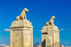 Ravissez la porte de San Fernando Castle dans Alicante, Espagne Photo stock