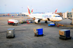 Ravitaillement d'aéronefs dans l'aéroport du Sri Lanka Photographie stock