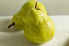 Free Raw Green Organic Bartlett Pears Royalty Free Stock Photography - 99921137