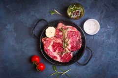 Raw meat steak in a pan ready to roasting Royalty Free Stock Photos