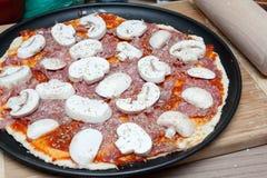 Raw pizza Stock Photography