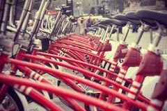 Raw of red bycicle Royalty Free Stock Photos