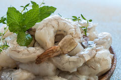 Free Raw Shrimps In Wooden Plate. Stock Photo - 90810520
