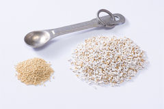 Raw versus cooked amaranth comparison Royalty Free Stock Images
