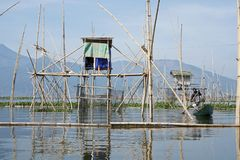 Rawa的渔夫写作湖,中爪哇省,印度尼西亚的 免版税库存照片