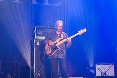 Rawa slösar festivalen 2014: Shawn Holt & tårarna Arkivfoton