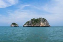 Rawang ö och Rawing ö, i nationalpark av Thailand Arkivbild