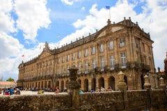 Raxoi宫殿的看法在孔波斯特拉的圣地牙哥,西班牙 库存图片