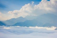 Ray światło, chmura i góra, Obraz Stock