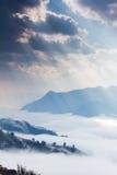 Ray światło, chmura i góra, Zdjęcia Royalty Free